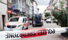 مرد افسرده ای که با اره برقی به مردم حمله کرد بازداشت شد