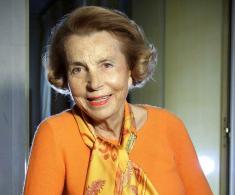 ثروتمندترین زن جهان و صاحب غول لوازم آرایشی درگذشت