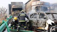 وقوع یک تصادف وحشتناک در چین / برخورد و آتش گرفتن چندین خودرو در یک بزرگراه!