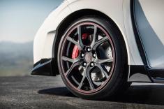 مهمترین علائم و نشانههای خرابی سیستم ترمز خودرو