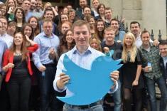 کارمندان توییتر، پیامهای شخصی مردم را می خوانند؟