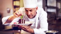 چگونه به آشپزی، حرفه ای تبدیل شویم؟ / آشنایی با 8 ترفند مهم آشپزی