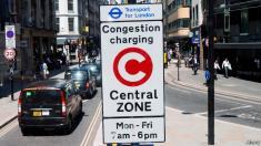 حذف تابلوهای راهنمایی و رانندگی در بزرگراه های انگلیس / تابلوها هوشمند می شوند!
