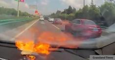 ویدیویی از آتش گرفتن آیفون 6 زن چینی، هنگام رانندگی را تماشا کنید