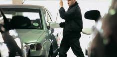 جزئیات دستگیری 2 سارق حرفه ای خودروها در چیتگر تهران منتشر شد